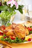 table rôtie par poulet entière Images stock