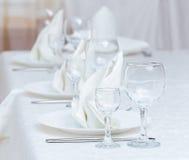 Table servie dans le restaurant Photos libres de droits