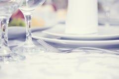 Table servie dans un restaurant Images libres de droits