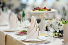Free Table Set For An Event Party Royalty Free Stock Images - 16733929
