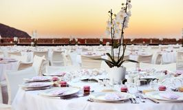 Table set up at the beach wedding Stock Photography