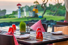 Table setting at casual outdoor restaurant Royalty Free Stock Photography
