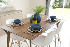 Table setting on dining table Stock Photos