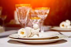 Table setting with napkin and win glasses Royalty Free Stock Photos