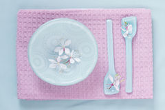 Table setting in pink and blue Royalty Free Stock Photo