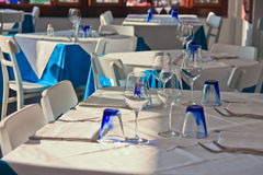 Table setting at restaurant Royalty Free Stock Photos