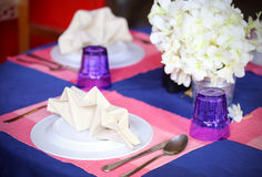 Table setting in restaurant Royalty Free Stock Images