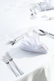 Table setting. White theme at beachside Royalty Free Stock Photography