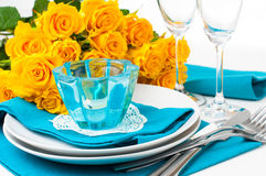 Table setting with yellow roses Royalty Free Stock Photos