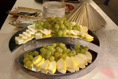 Tableau avec la nourriture Photos stock