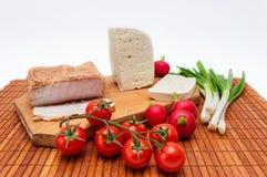 Tableau complètement de nourriture traditionnelle Image libre de droits