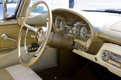 Tableau de bord 1958 de Ford Edsel et volant Photographie stock