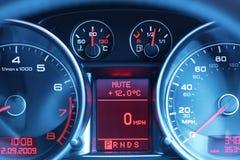 Tableau de bord d'une voiture de sport Image stock