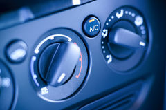 Tableau de bord de contrôles de climat dans la voiture, véhicule. images stock