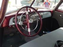 Tableau de bord de coupé de Chevrolet et sièges intérieurs, Lima Photographie stock