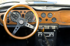 Tableau de bord en bois d'un véhicule Photos libres de droits