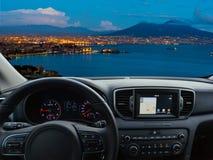 Tableau de bord de voiture voyageant à Naples photographie stock libre de droits