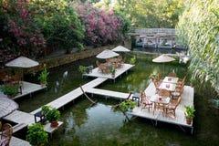 Tableau de dîner sur le restaurant Turquie de rivière Photographie stock libre de droits