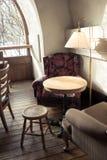 Tableau et chaise de café Photo libre de droits