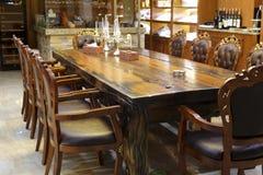 Tableau et chaises Photographie stock