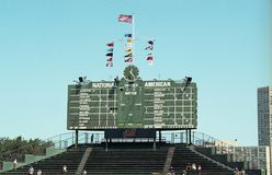 Tableau indicateur 2001 de Centerfield au champ de Wrigley Images stock