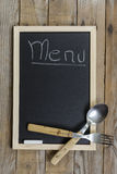 Tableau noir avec le cadre en bois Photos stock