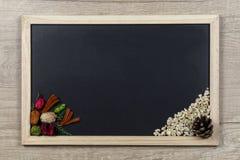 Tableau noir avec le cadre en bois Photos libres de droits