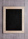 Tableau noir en bois d'école pour l'écriture de craie sur le bois Photographie stock libre de droits