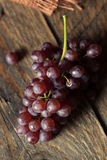 Tableau organique cru Champagne Grapes photographie stock