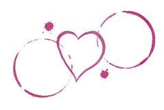 Tableau pour deux concepts de datation de taches et de coeur de vin Photo libre de droits