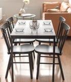 tablecloth för tabell för kaviarmatställepannkakor Fotografering för Bildbyråer