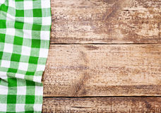 Tablecloth na tabela de madeira Imagem de Stock