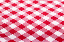 Tablecloth vermelho e branco Fotos de Stock