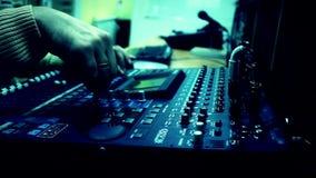 Tablero audio de radio del mezclador de la televisión almacen de video