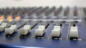 Tablero audio del mezclador de sonidos metrajes