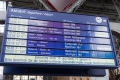Tablero central del horario de la estación de tren de Francfort Imagen de archivo libre de regalías
