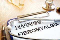 Tablero con fibromyalgia de la diagnosis fotografía de archivo libre de regalías