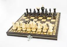 Tablero de ajedrez antes de la batalla Imagen de archivo libre de regalías