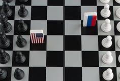 Tablero de ajedrez con las banderas de países imagen de archivo libre de regalías