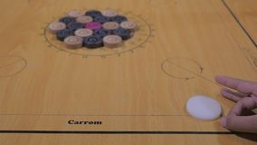 Tablero de Carrom almacen de metraje de vídeo