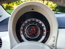 Tablero de instrumentos auto del control de velocidad Fotografía de archivo libre de regalías