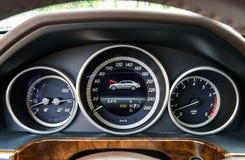 Tablero de instrumentos auto del control de velocidad Foto de archivo libre de regalías