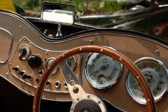 Tablero de instrumentos clásico del coche Foto de archivo libre de regalías