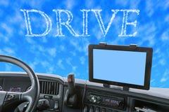 Tablero de instrumentos del camión con palabra de la impulsión en el cielo azul Fotografía de archivo libre de regalías