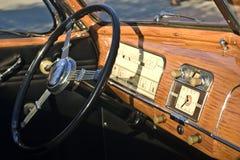 Tablero de instrumentos del coche antiguo Foto de archivo libre de regalías