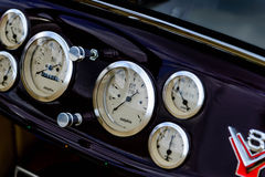 tablero de instrumentos del coche del equipo del automóvil descubierto del vado de los años 30 Fotos de archivo libres de regalías