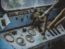Tablero de instrumentos del viejo cierre retro del tractor para arriba Imagenes de archivo