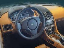 Tablero de instrumentos e interior de Aston Martin Fotos de archivo libres de regalías
