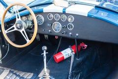 Tablero de instrumentos en convertible clásico Imagen de archivo