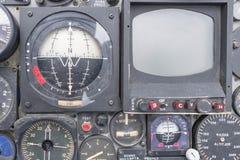 Tablero de instrumentos plano viejo y panel de control n en la exhibición Fotos de archivo libres de regalías